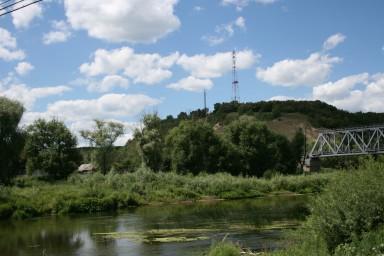 Лысая гора. Фото с берега реки Медведицы.