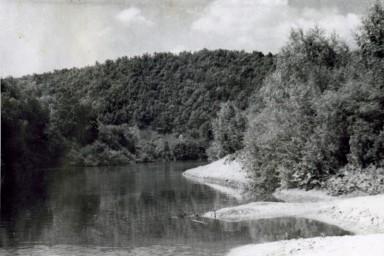 Берег реки Медведица. Точное место неизвестно.